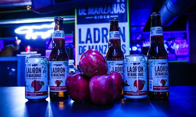 En HEINEKEN México, capturamos el sabor de las mejores manzanas.